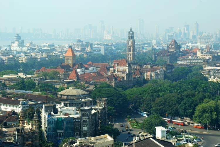 Rajabai klokkentoren in Zuid-Mumbai